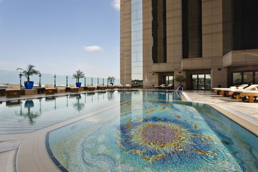 Fairmont dubai dubai for Garden pool dubai
