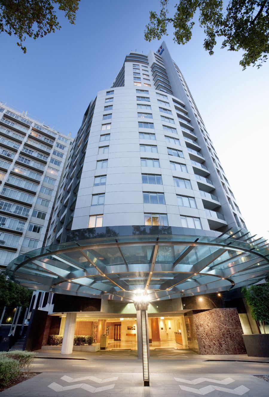 Hotel Exterior: Quay West Suites Melbourne
