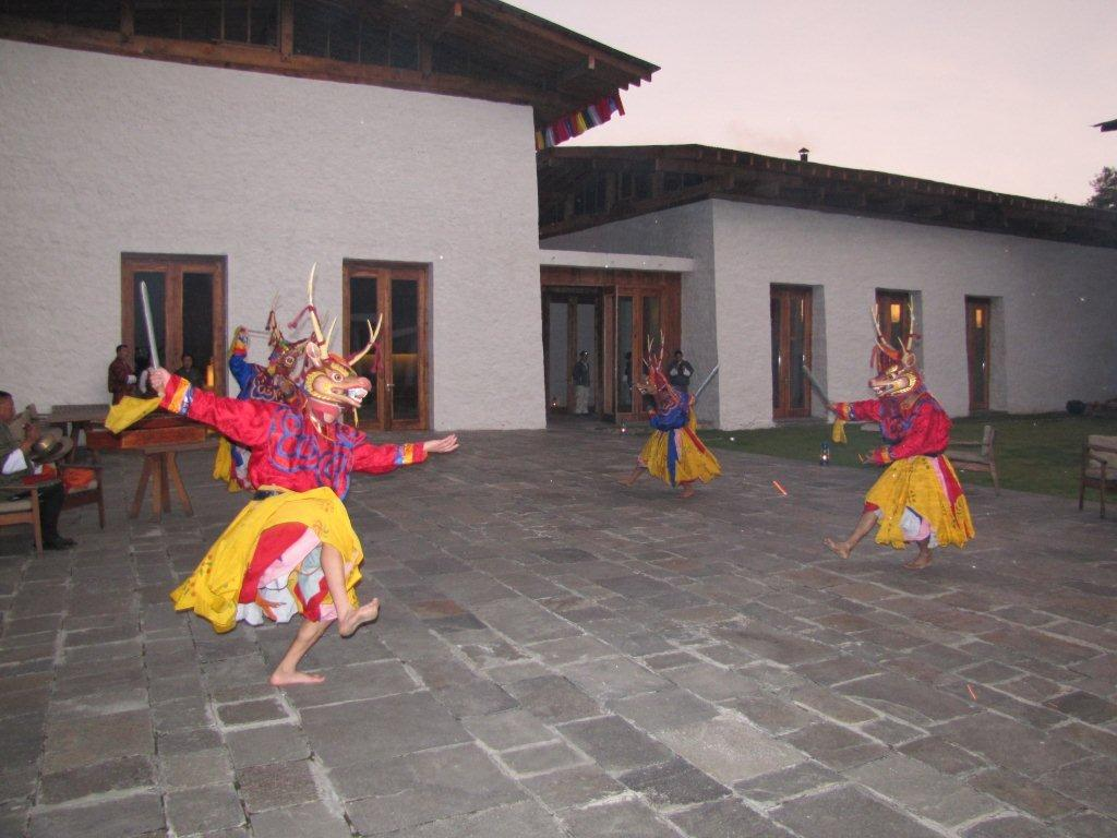 Traditional dancing at Amankora