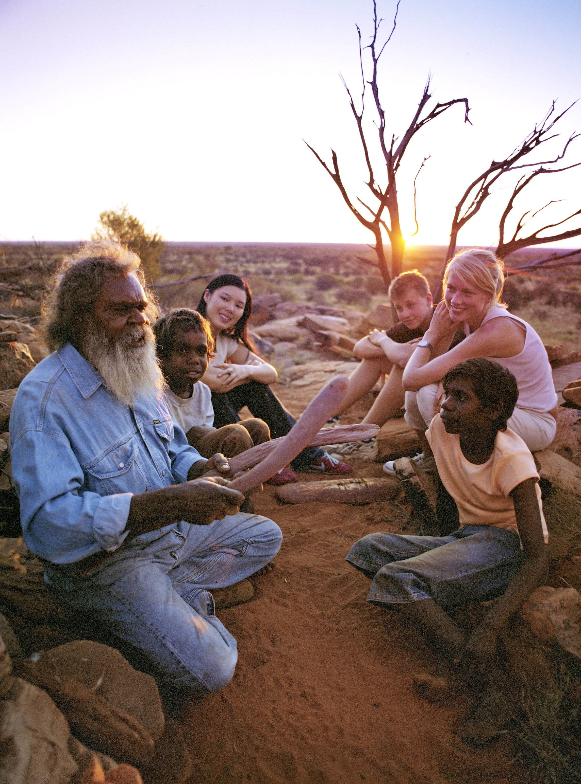 Aboriginal; Storytelling in the Northern Territory;	Mandatory credit: Tourism Australia Copyright