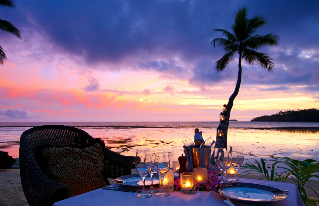 Dining at Sunset Photo Credit: Namale Resort & Spa