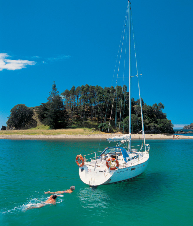 Charter yacht, Bay of Islands | Photo Credit: Tourism New Zealand