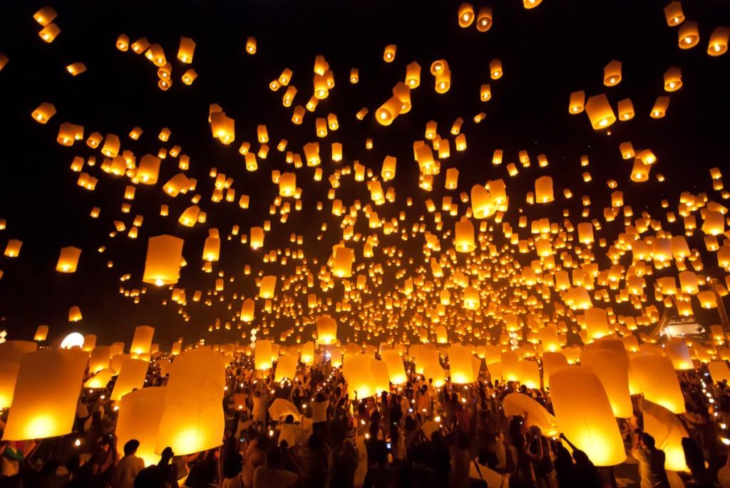 Khom loi lanterns | Photo Credit: Shutterstock