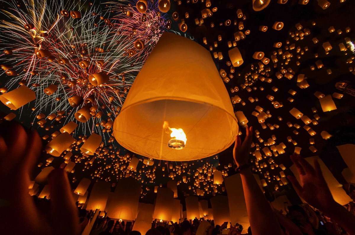 Khom loi lanterns | Photo Credit: Shutterstock
