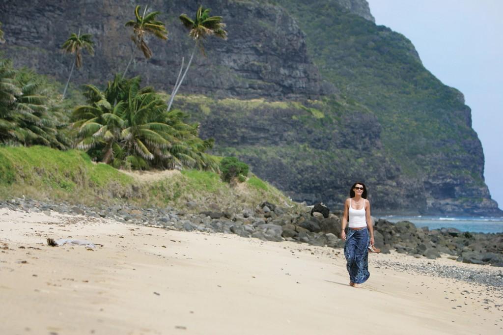 Lovers Bay Walk | Photo Credit: Capella Lodge