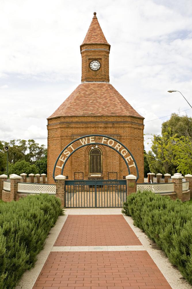 War memorial, Boorowa | Photo Credit: Holly Bradford; Capital Country Tourism
