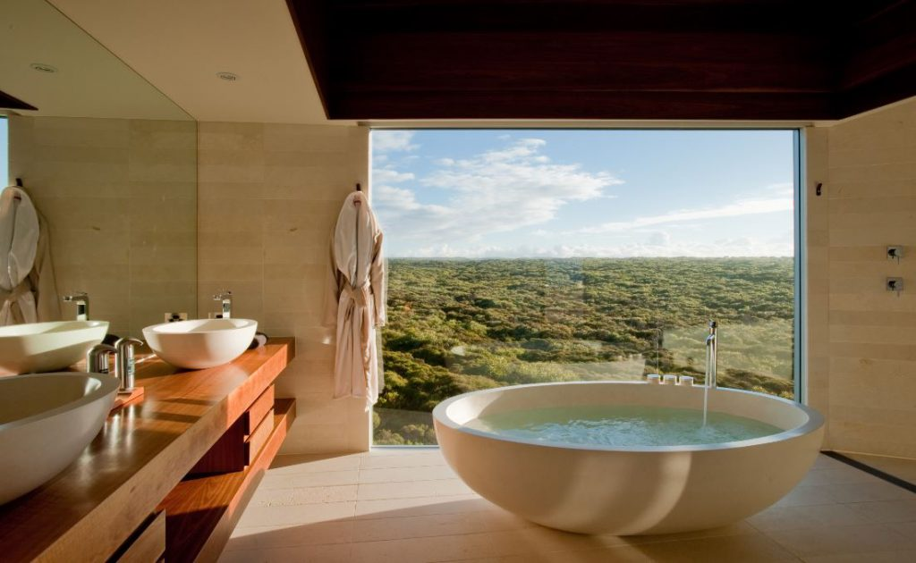 Bathroom | Photo Credit: Southern Ocean Lodge