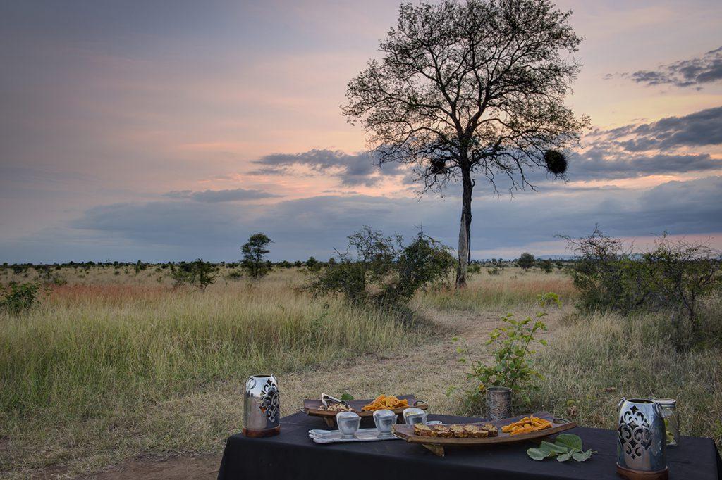 Safari Dining | Photo Credit: Tintswalo Safari Lodge