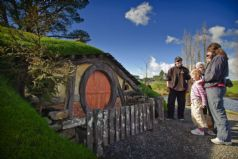 Hobbiton Movie Set and Farm Tour