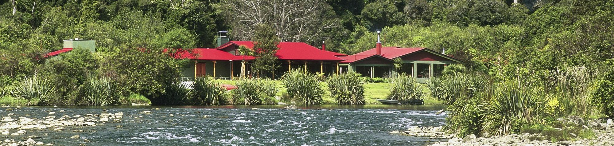 Wilderness Lodge Lake Moeraki
